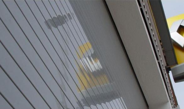 Instalación de puerta enrollable industrial Máster