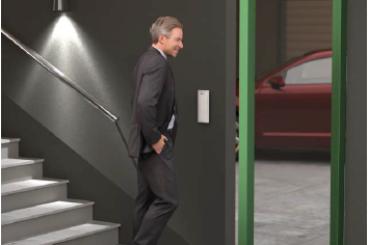 Puerta de acceso a garaje